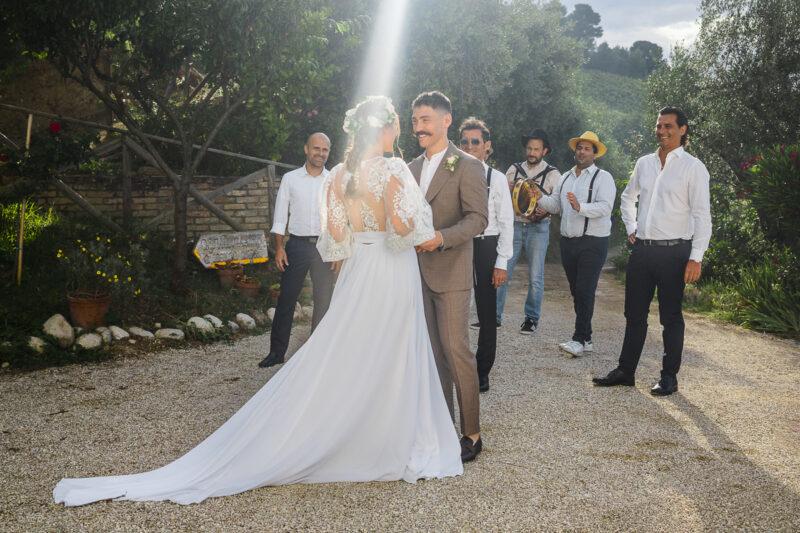 Italian Style Wedding nelle Marche Grottammare Serenata Tradizionale
